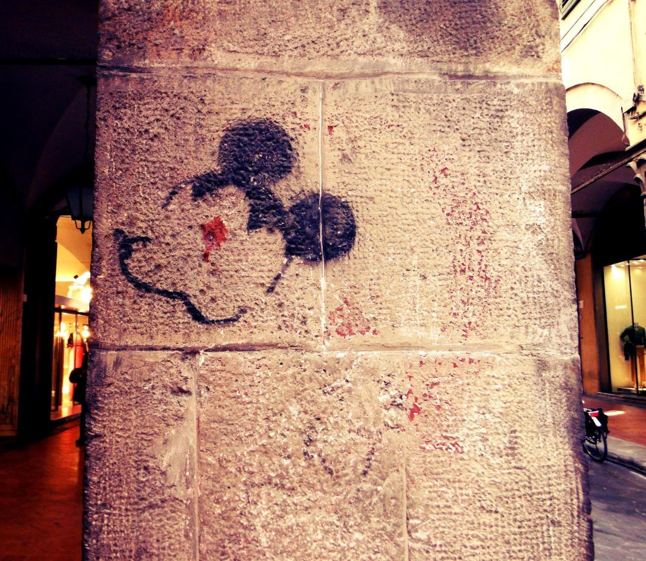 Mickey Mouse in Piza